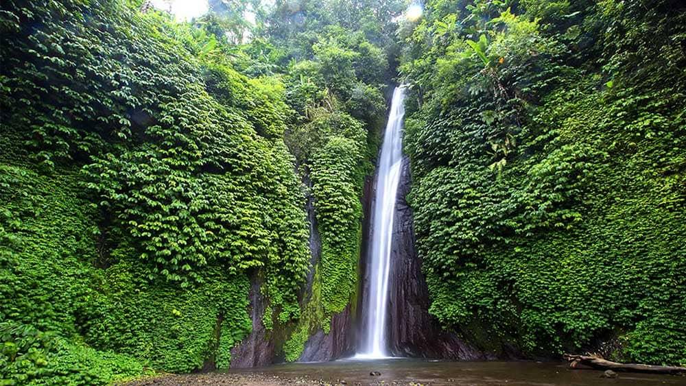 Hasil gambar untuk Munduk Waterfalls